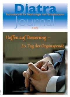 """Zum Titelbild:<br /> Im Jahr 2012 jährte sich zum 30. Mal der """"Tag der Organspende"""". Am Samstag, 2. Juni 2012, hatte die GIOS – Gemeinnützige Interessengemeinschaft Organspende e.V. – Mitglieder und Öffentlichkeit in die Hugenottenkirche in Hofgeismar-Carlsdorf eingeladen, um gemeinsam den Organspendern und ihren Angehörigen zu danken. Rund 200 Besucher waren der Einladung gefolgt."""